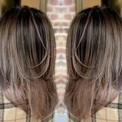 ナチュラル バレイヤージュ グラデーションカラー イルミナカラー ヘアスタイルや髪型の写真・画像