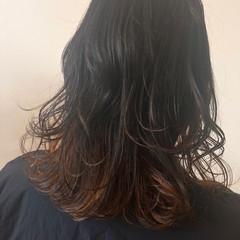 グラデーションカラー ハイライト インナーカラー ミディアム ヘアスタイルや髪型の写真・画像