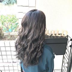 外国人風カラー ミルクティーグレージュ ロング グレージュ ヘアスタイルや髪型の写真・画像