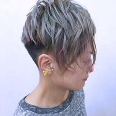 ウェットヘア モード ショート シルバー ヘアスタイルや髪型の写真・画像
