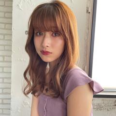 ガーリー シースルバング 秋ブラウン ストレート ヘアスタイルや髪型の写真・画像