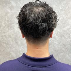 ショート ナチュラル メンズパーマ メンズカット ヘアスタイルや髪型の写真・画像