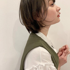 フェミニン ショート アンニュイほつれヘア パーマ ヘアスタイルや髪型の写真・画像