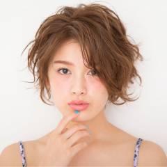 ナチュラル モテ髪 ショート フェミニン ヘアスタイルや髪型の写真・画像