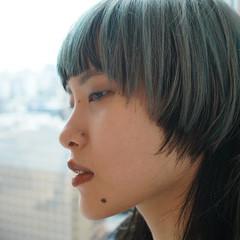 ミディアム モード ウルフ女子 ウルフカット ヘアスタイルや髪型の写真・画像