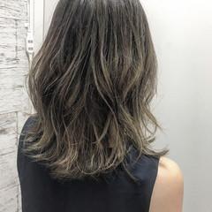 イルミナカラー セミロング 上品 涼しげ ヘアスタイルや髪型の写真・画像