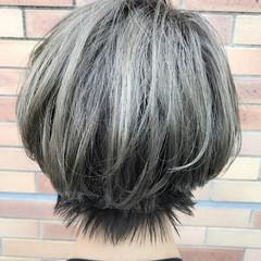 カーキアッシュ グレージュ 外国人風 ハイライト ヘアスタイルや髪型の写真・画像