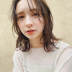 ミディアム ガーリー 外国人風フェミニン ヘアスタイルや髪型の写真・画像