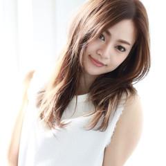 外国人風カラー フェミニン アンニュイ ロング ヘアスタイルや髪型の写真・画像