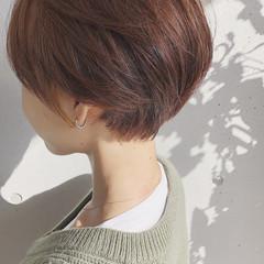 ショートボブ ナチュラル ショートヘア 切りっぱなしボブ ヘアスタイルや髪型の写真・画像