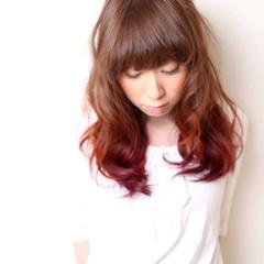 フェミニン グラデーションカラー セミロング ダブルカラー ヘアスタイルや髪型の写真・画像