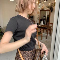 ベージュ ミルクティーベージュ ボブ 切りっぱなしボブ ヘアスタイルや髪型の写真・画像