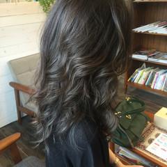 暗髪 外国人風 外巻きパーマ ロング ヘアスタイルや髪型の写真・画像