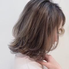 ベージュ ダブルカラー グレージュ フェミニン ヘアスタイルや髪型の写真・画像