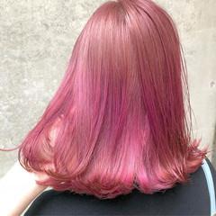 ダブルカラー ハイトーン ピンク 外国人風カラー ヘアスタイルや髪型の写真・画像