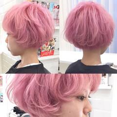 ショート ピンク ハイトーン ガーリー ヘアスタイルや髪型の写真・画像