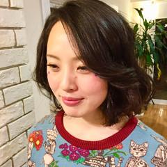 レイヤーカット パーマ ミディアム ナチュラル ヘアスタイルや髪型の写真・画像