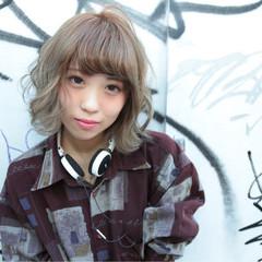 ストリート 外ハネ 外国人風 ベージュ ヘアスタイルや髪型の写真・画像