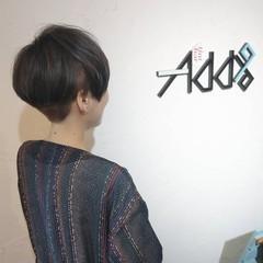 インナーラベンダー ショートヘア ナチュラル マッシュ ヘアスタイルや髪型の写真・画像