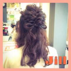 簡単ヘアアレンジ ヘアアレンジ ねじり 編み込み ヘアスタイルや髪型の写真・画像