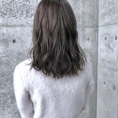 ウェーブ ミディアム パーマ モード ヘアスタイルや髪型の写真・画像
