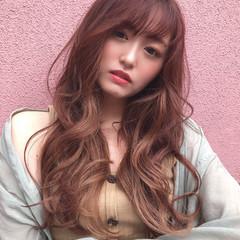 インナーカラー エクステ ロング ナチュラル ヘアスタイルや髪型の写真・画像