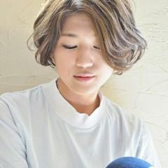 アッシュ モード 大人かわいい 外国人風 ヘアスタイルや髪型の写真・画像