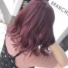 フェミニン ブリーチカラー ダブルカラー ピンク ヘアスタイルや髪型の写真・画像