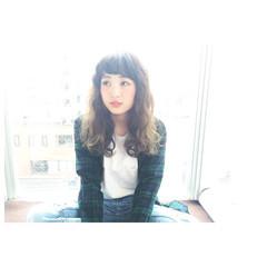 グラデーションカラー セミロング ヘアアレンジ 暗髪 ヘアスタイルや髪型の写真・画像