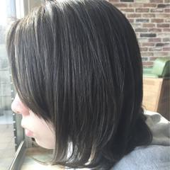 ミディアム ネイビー 暗髪 マット ヘアスタイルや髪型の写真・画像