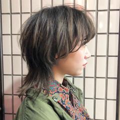ナチュラル ミディアム ウルフ女子 マッシュウルフ ヘアスタイルや髪型の写真・画像