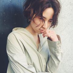 アッシュ ジェンダーレス ショート ミルクティー ヘアスタイルや髪型の写真・画像