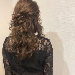 ヘアセット セミロング 編み込みヘア ハーフアップ ヘアスタイルや髪型の写真・画像