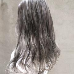 ロング イルミナカラー ナチュラル インナーカラー ヘアスタイルや髪型の写真・画像