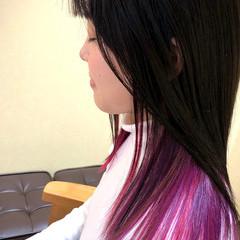 ストリート セミロング インナーカラー 切りっぱなし ヘアスタイルや髪型の写真・画像