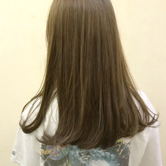 セミロング ブリーチ ストリート マット ヘアスタイルや髪型の写真・画像