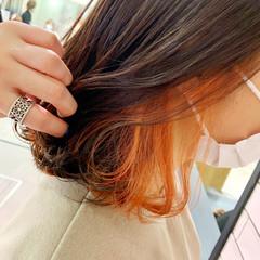 切りっぱなしボブ インナーカラー ミディアム 派手髪 ヘアスタイルや髪型の写真・画像