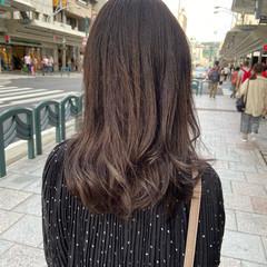 グラデーションカラー アッシュグラデーション グレージュ ロング ヘアスタイルや髪型の写真・画像