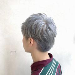 ホワイトグレージュ ホワイトシルバー シルバーグレー ホワイトアッシュ ヘアスタイルや髪型の写真・画像