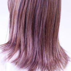 ナチュラル バイオレットアッシュ パープルアッシュ セミロング ヘアスタイルや髪型の写真・画像