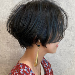 ショートボブ ママヘア 大人ハイライト ハンサムショート ヘアスタイルや髪型の写真・画像