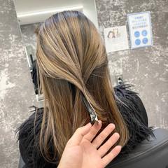 アッシュベージュ アンニュイ ヌーディベージュ 外国人風カラー ヘアスタイルや髪型の写真・画像