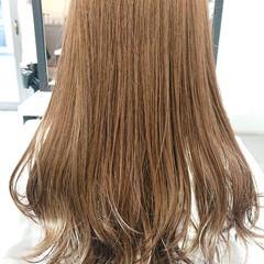 ブリーチなし グレージュ シアーベージュ セミロング ヘアスタイルや髪型の写真・画像