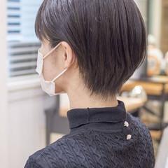 ミニボブ ショートヘア ナチュラル ハンサムショート ヘアスタイルや髪型の写真・画像