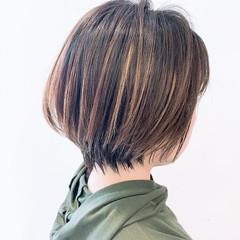 ショートヘア ウルフカット ショートボブ ハイライト ヘアスタイルや髪型の写真・画像