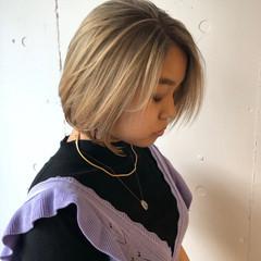 ハイトーンカラー ボブ 切りっぱなしボブ レイヤーカット ヘアスタイルや髪型の写真・画像