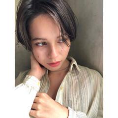 ショートボブ ナチュラル グレージュ シアーベージュ ヘアスタイルや髪型の写真・画像