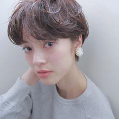 マッシュ ショート 透明感 ナチュラル ヘアスタイルや髪型の写真・画像