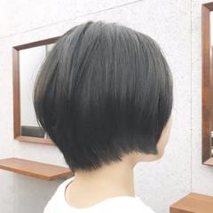ナチュラル 丸みショート 耳かけ ショートボブ ヘアスタイルや髪型の写真・画像