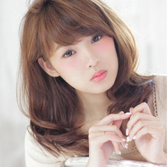 かわいい ラベンダーアッシュ セミロング アッシュ ヘアスタイルや髪型の写真・画像